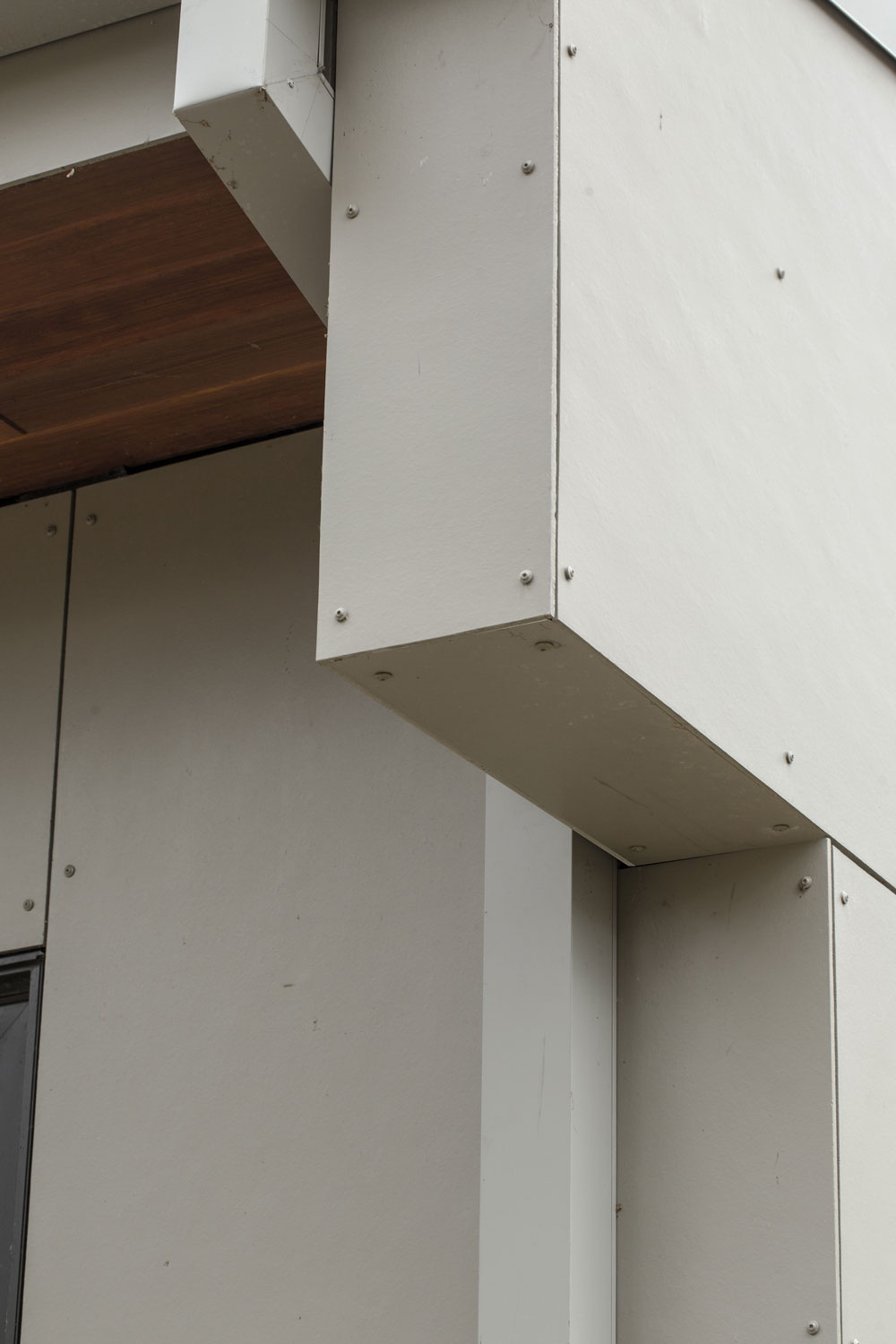 Unit 7 Architecture | Residential - Winnipeg Beach Summer Home - CORNER DETAIL