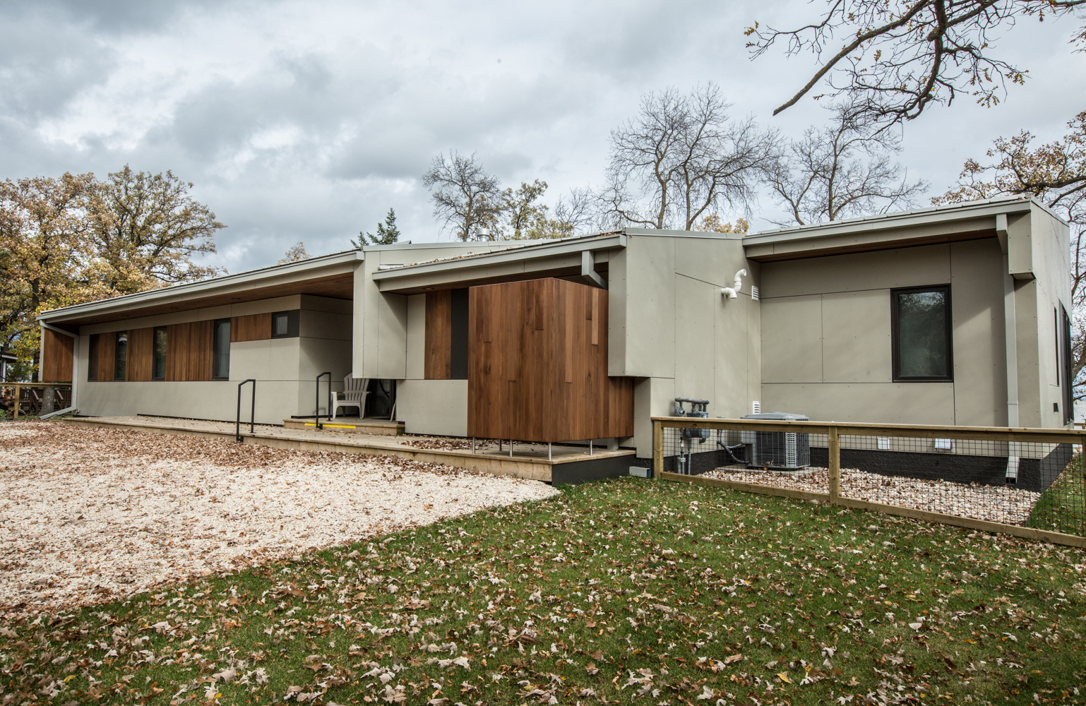 Unit 7 Architecture | Residential - Winnipeg Beach Weekend Home - STEPPED ROOF