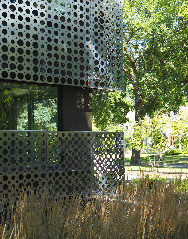Unit 7 Architecture | Projects - Handsart Residence ZT - DETAIL OF PERFORATED ALUMINUM SCREEN