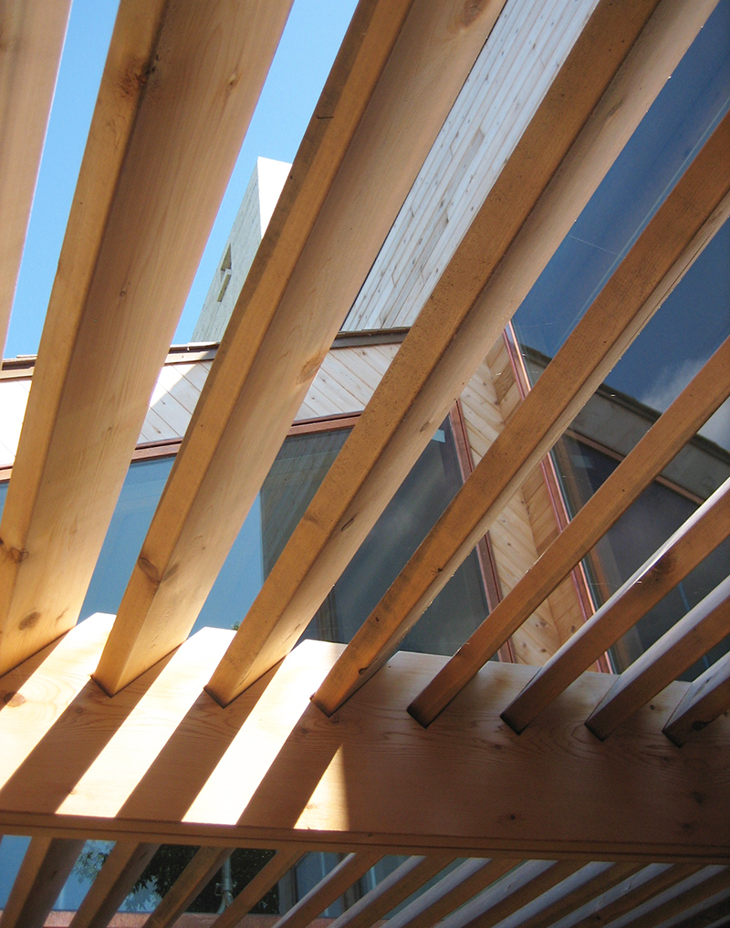 Unit 7 Architecture | Residential - Victoria Beach Summer Home V - DETAIL OF BRISE SOLEIL IN THE SUNROOM